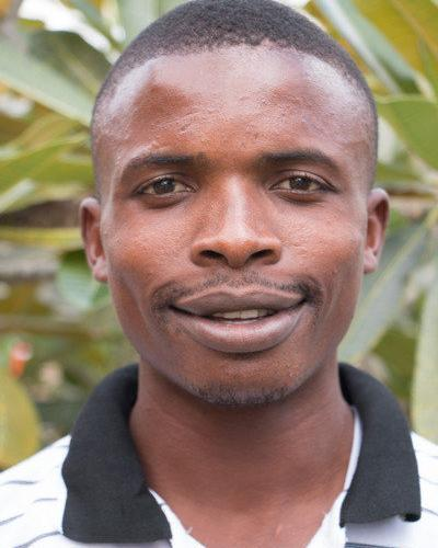 Lehrer Benjamin Othiniel Mnkande