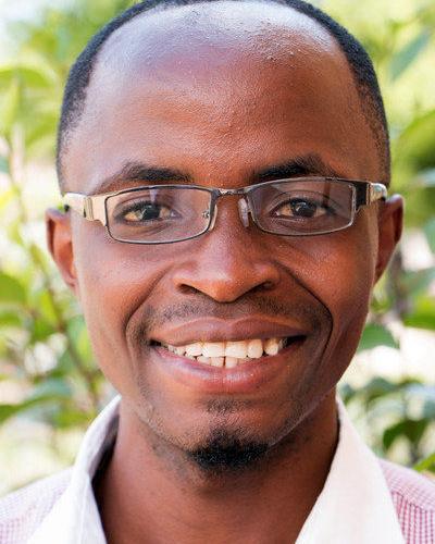 Lehrer Joel Gisbert Nkoma
