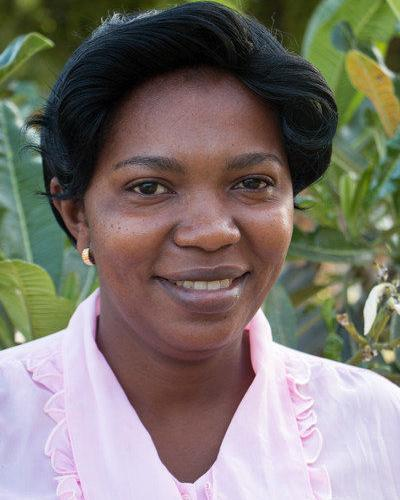 Lehrerin Safiniel Ahadi Mmbaga